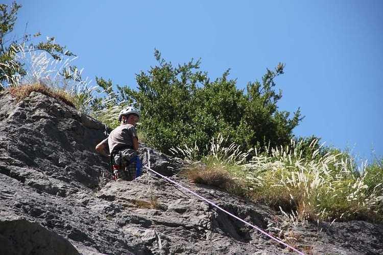 Les 6èmes en classe de découverte dans les Pyrénées escaladeg21copier
