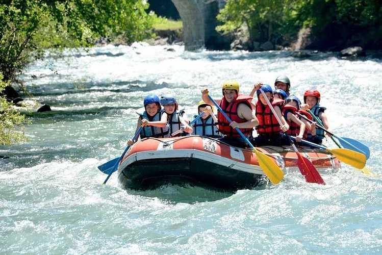 Les 6èmes en classe de découverte dans les Pyrénées rafting50copier