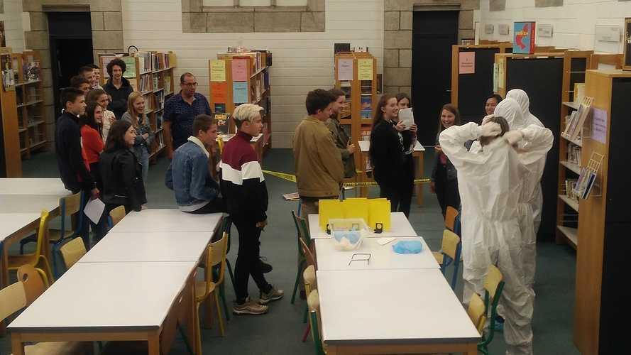 Les lycéens mènent l'enquête photo1
