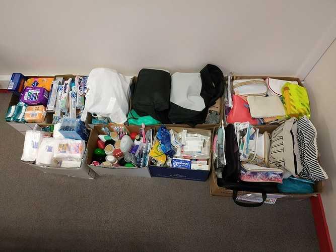 Rencontre avec l'association Adaléa pour la remise des kits hygiène img20181220085554