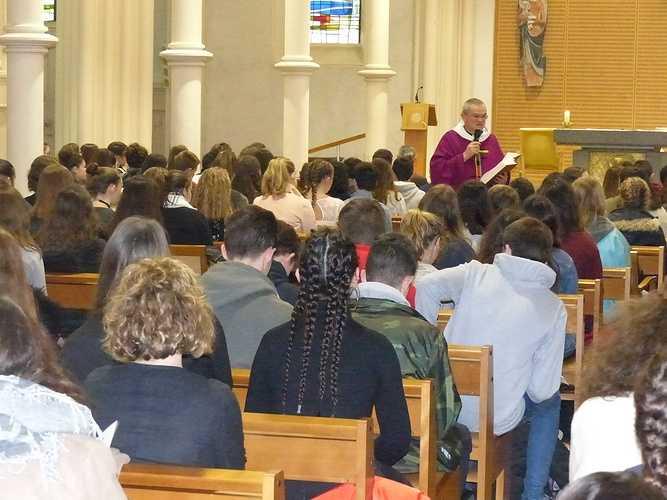 Messe de l'Avent pour les lycéens p1020029