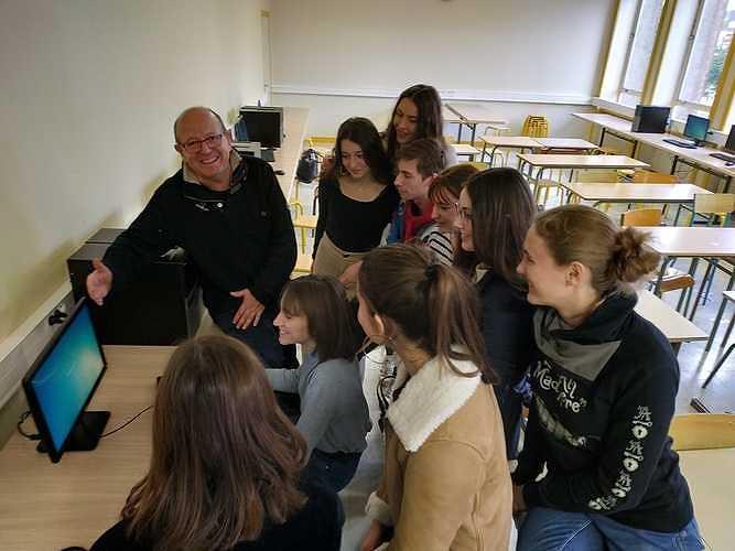 Le P''tit Pierrot, journal des lycéens du lycée Saint-Pierre de Saint-Brieuc, est en ligne 0