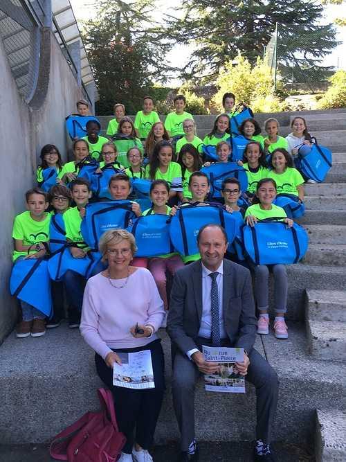 Des sacs de sport offerts aux 6èmes par le département des Côtes d''Armor 0